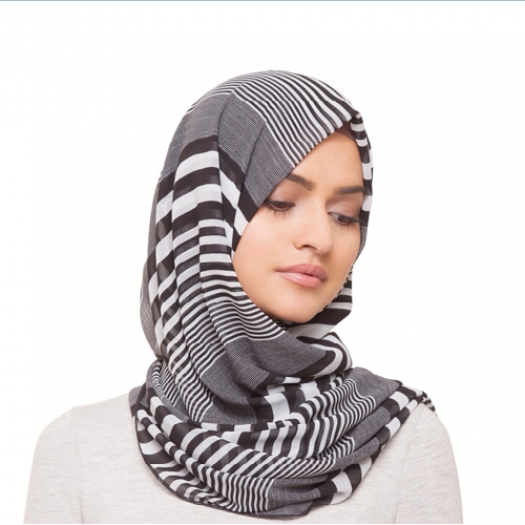 BLACK & WHITE STRIPE HIJAB